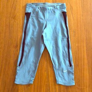 Nike Fit-Dry Capri Pants • XS •